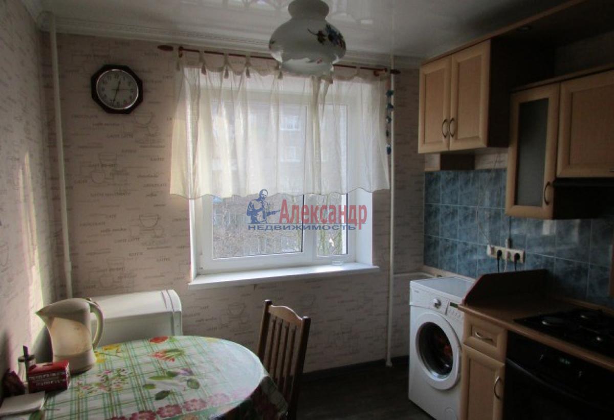 1-комнатная квартира (38м2) в аренду по адресу Солдата Корзуна ул., 58— фото 2 из 7