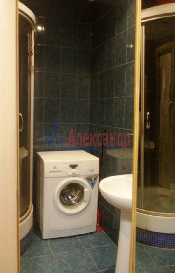 2-комнатная квартира (60м2) в аренду по адресу Варшавская ул., 36— фото 3 из 4