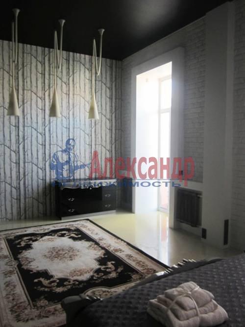 4-комнатная квартира (220м2) в аренду по адресу Невский пр., 88— фото 2 из 10
