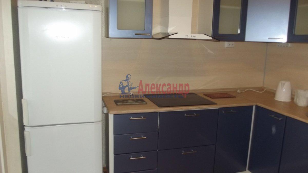 1-комнатная квартира (36м2) в аренду по адресу Славы пр., 52— фото 3 из 5