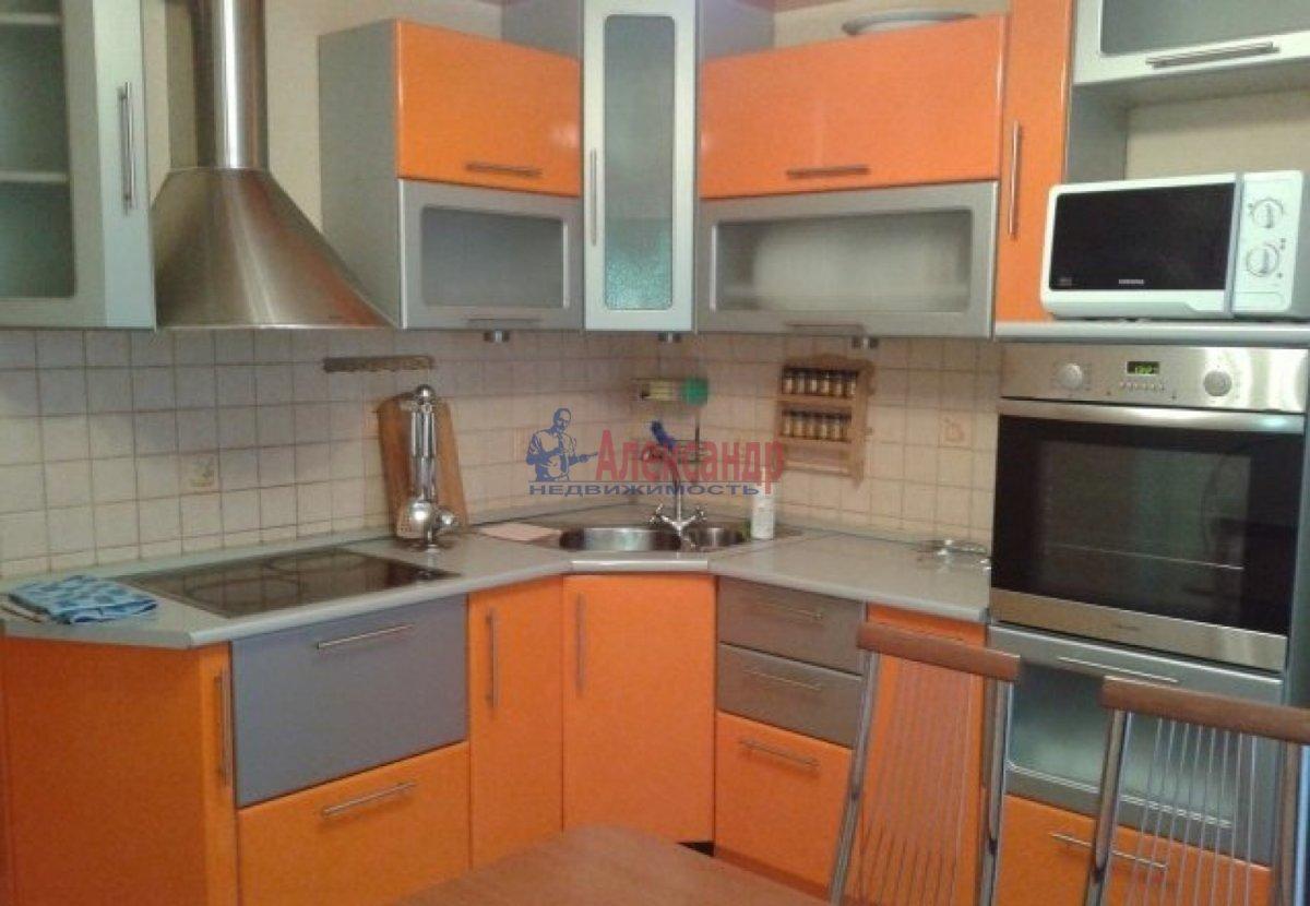 3-комнатная квартира (100м2) в аренду по адресу Богатырский пр., 59— фото 1 из 13
