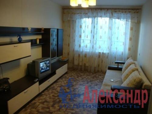 3-комнатная квартира (79м2) в аренду по адресу Богатырский пр., 25— фото 1 из 4