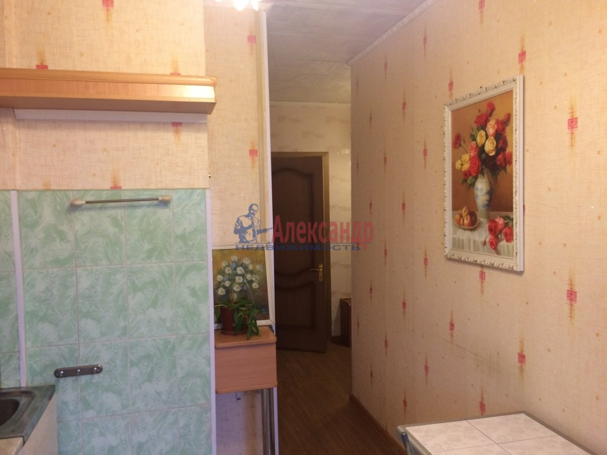 2-комнатная квартира (56м2) в аренду по адресу Передовиков ул., 1— фото 8 из 14