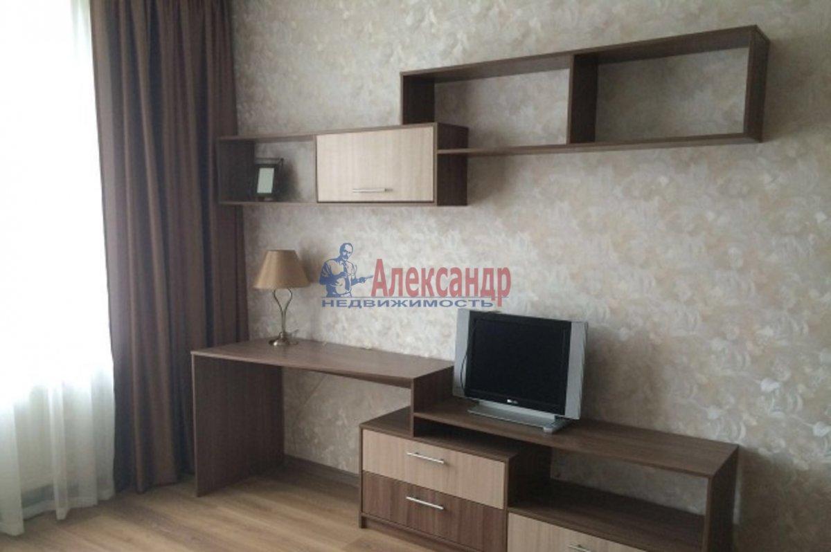 2-комнатная квартира (70м2) в аренду по адресу Просвещения пр., 15— фото 7 из 8