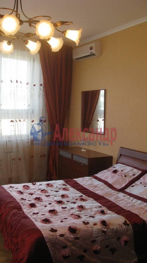 2-комнатная квартира (70м2) в аренду по адресу Мытнинская ул., 2— фото 9 из 12