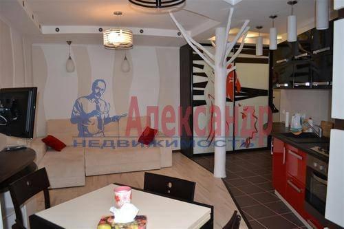 2-комнатная квартира (70м2) в аренду по адресу Малая Морская ул., 16— фото 3 из 5