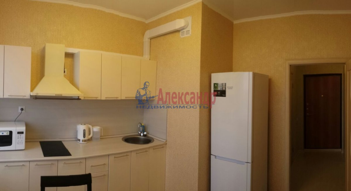 1-комнатная квартира (40м2) в аренду по адресу Белы Куна ул., 1— фото 1 из 4