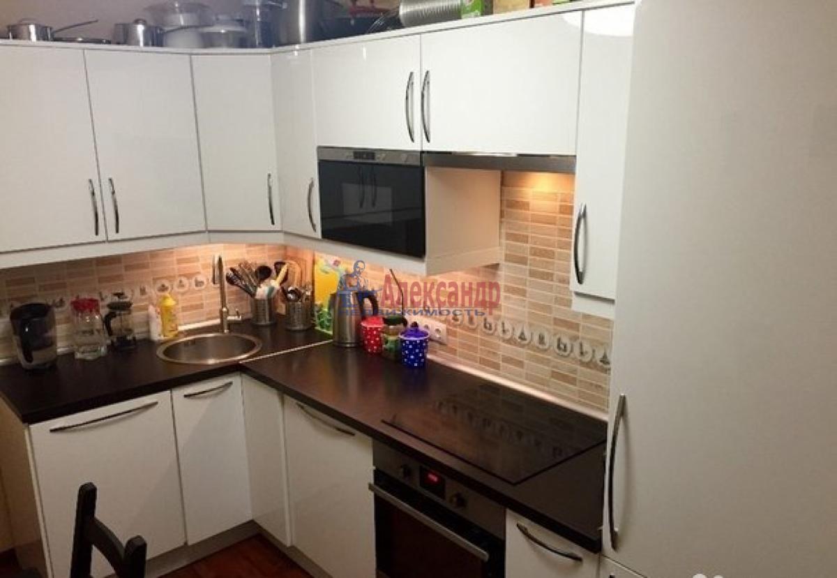 1-комнатная квартира (41м2) в аренду по адресу Кораблестроителей ул., 32— фото 1 из 5