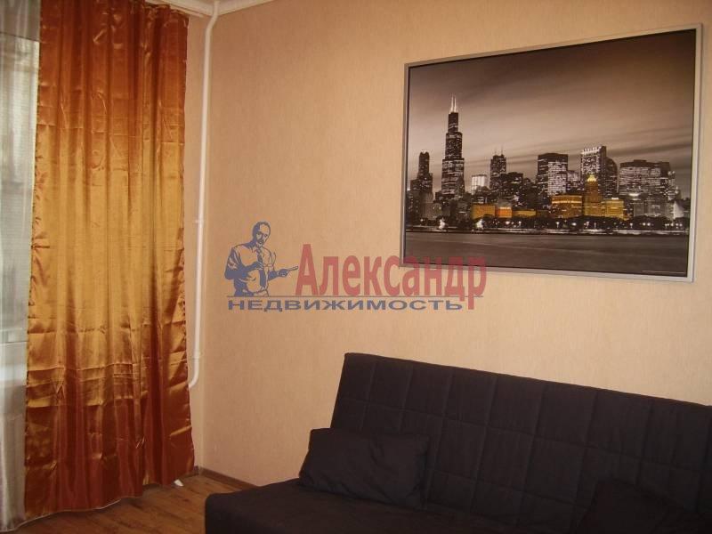 2-комнатная квартира (54м2) в аренду по адресу Дрезденская ул.— фото 1 из 11