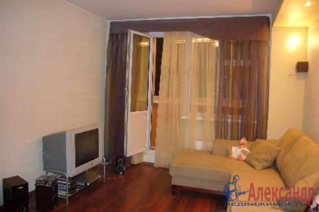 1-комнатная квартира (30м2) в аренду по адресу Димитрова ул., 3— фото 1 из 3