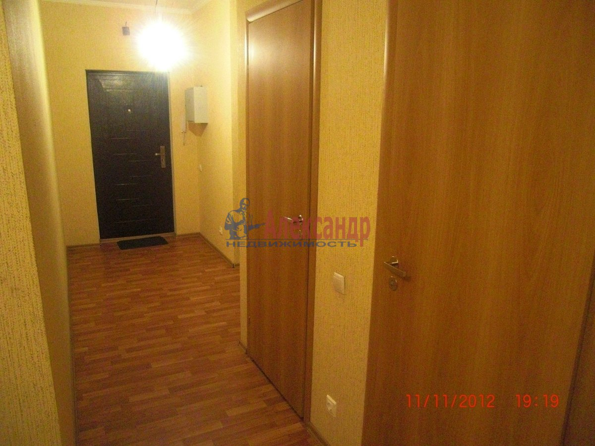 2-комнатная квартира (69м2) в аренду по адресу Стародеревенская ул., 19— фото 3 из 6