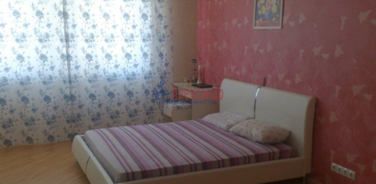 2-комнатная квартира (59м2) в аренду по адресу Среднеохтинский пр., 55— фото 2 из 4
