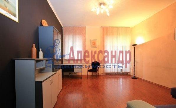 2-комнатная квартира (56м2) в аренду по адресу Гражданский пр., 36— фото 3 из 4