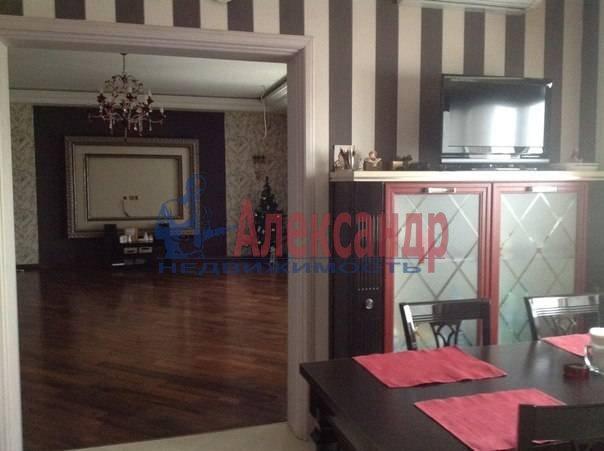 3-комнатная квартира (97м2) в аренду по адресу Луначарского пр., 21— фото 1 из 12