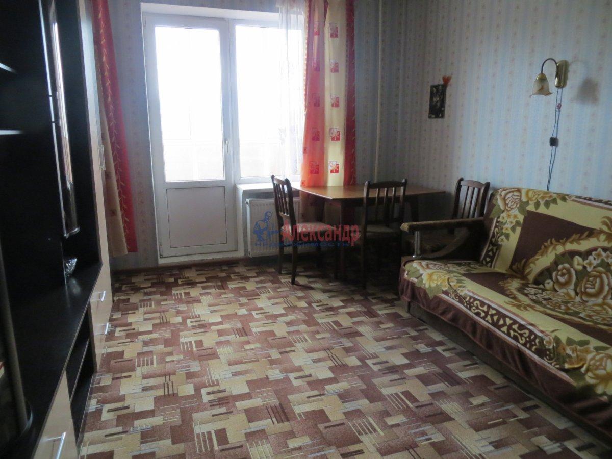 2-комнатная квартира (55м2) в аренду по адресу Вавиловых ул., 4— фото 1 из 2