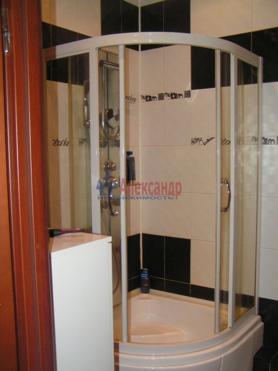 1-комнатная квартира (35м2) в аренду по адресу Пулковская ул., 8— фото 3 из 5