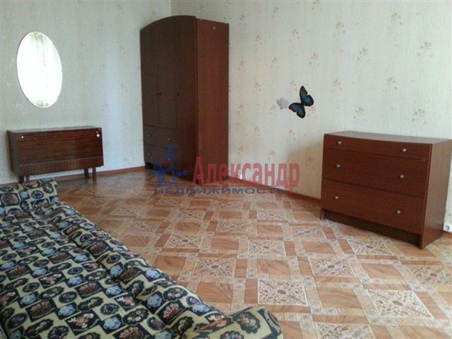 1-комнатная квартира (40м2) в аренду по адресу Яковлевский пер., 6— фото 2 из 2