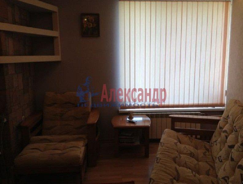 2-комнатная квартира (45м2) в аренду по адресу Художников пр., 33— фото 2 из 6