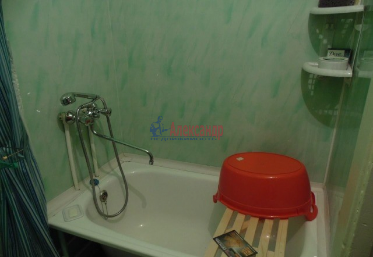 1-комнатная квартира (34м2) в аренду по адресу Стачек пр., 85— фото 3 из 5
