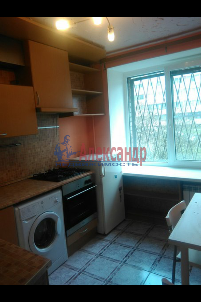 2-комнатная квартира (49м2) в аренду по адресу Пограничника Гарькавого ул., 19— фото 1 из 7