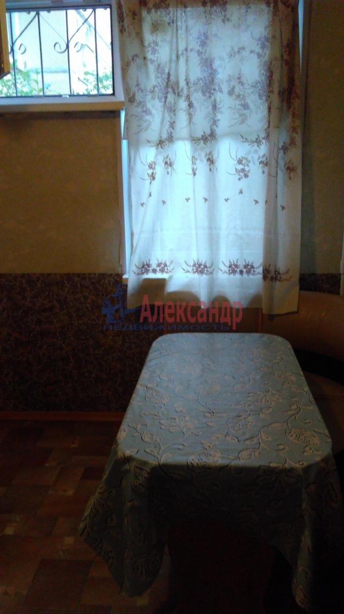 Комната в 2-комнатной квартире (50м2) в аренду по адресу Петергоф г., Чебышевская ул., 9— фото 2 из 7