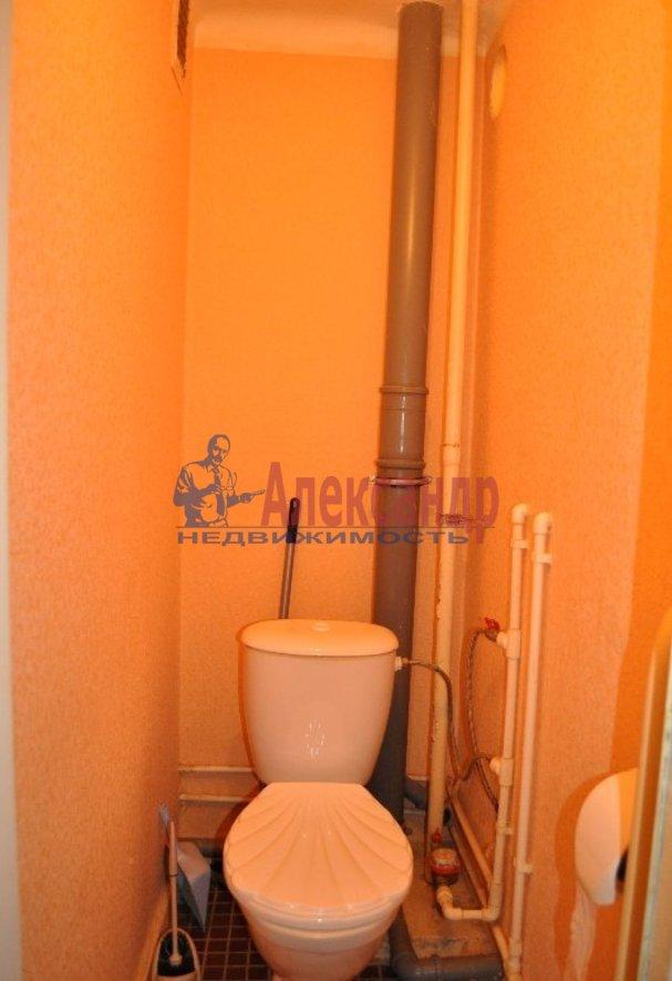Комната в 2-комнатной квартире (42м2) в аренду по адресу Пражская ул., 2— фото 3 из 3