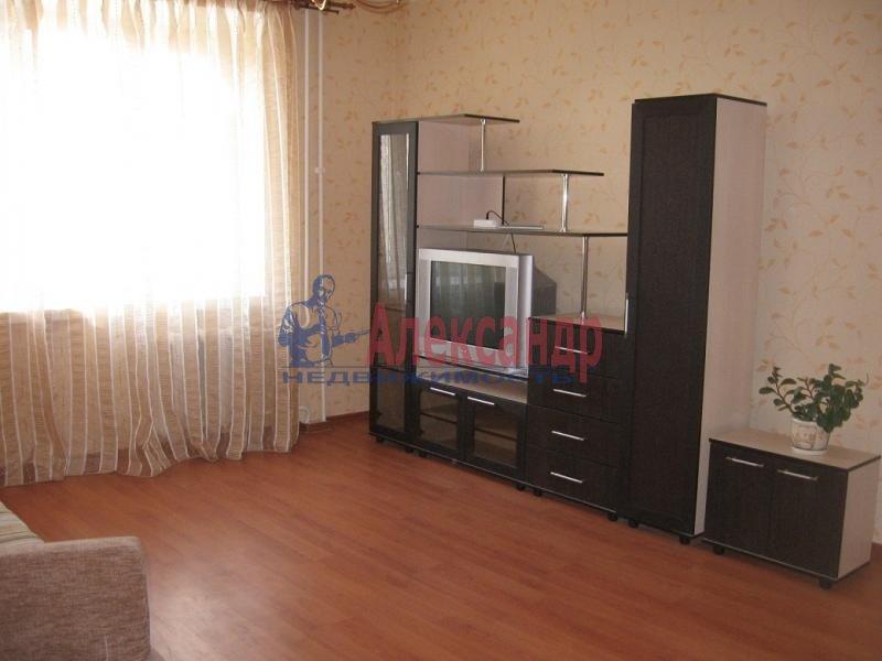 2-комнатная квартира (58м2) в аренду по адресу Автовская ул., 15— фото 3 из 5