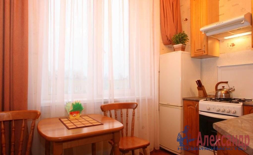 1-комнатная квартира (45м2) в аренду по адресу Науки пр., 19/2— фото 1 из 8