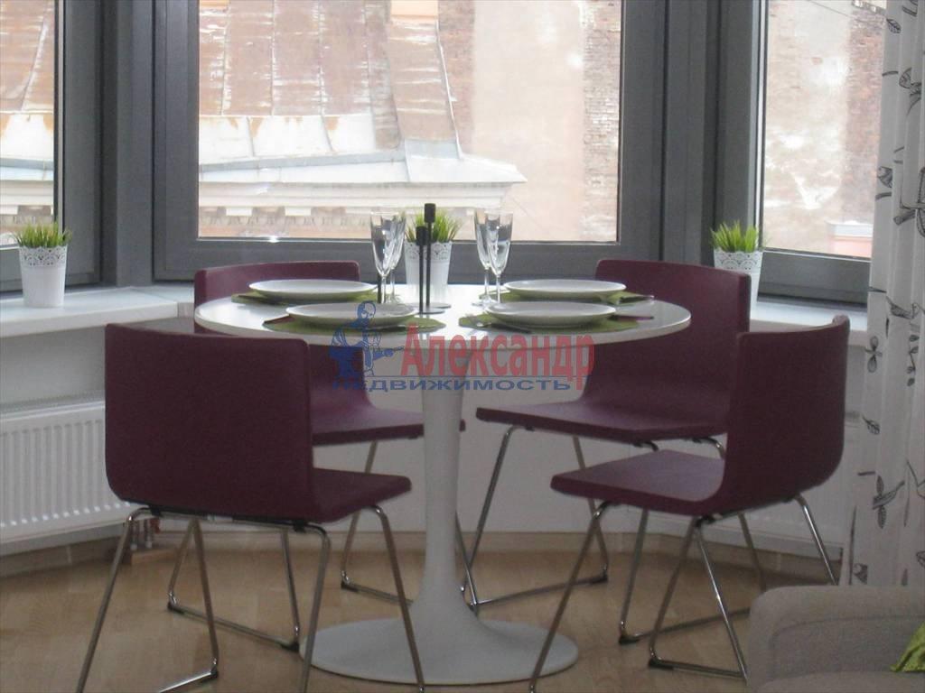 2-комнатная квартира (54м2) в аренду по адресу Чернышевского пр., 4— фото 1 из 5