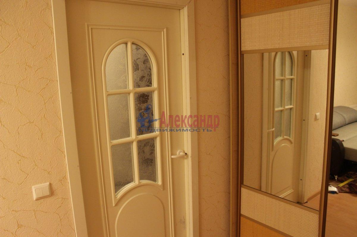 1-комнатная квартира (46м2) в аренду по адресу Оптиков ул., 47— фото 6 из 6