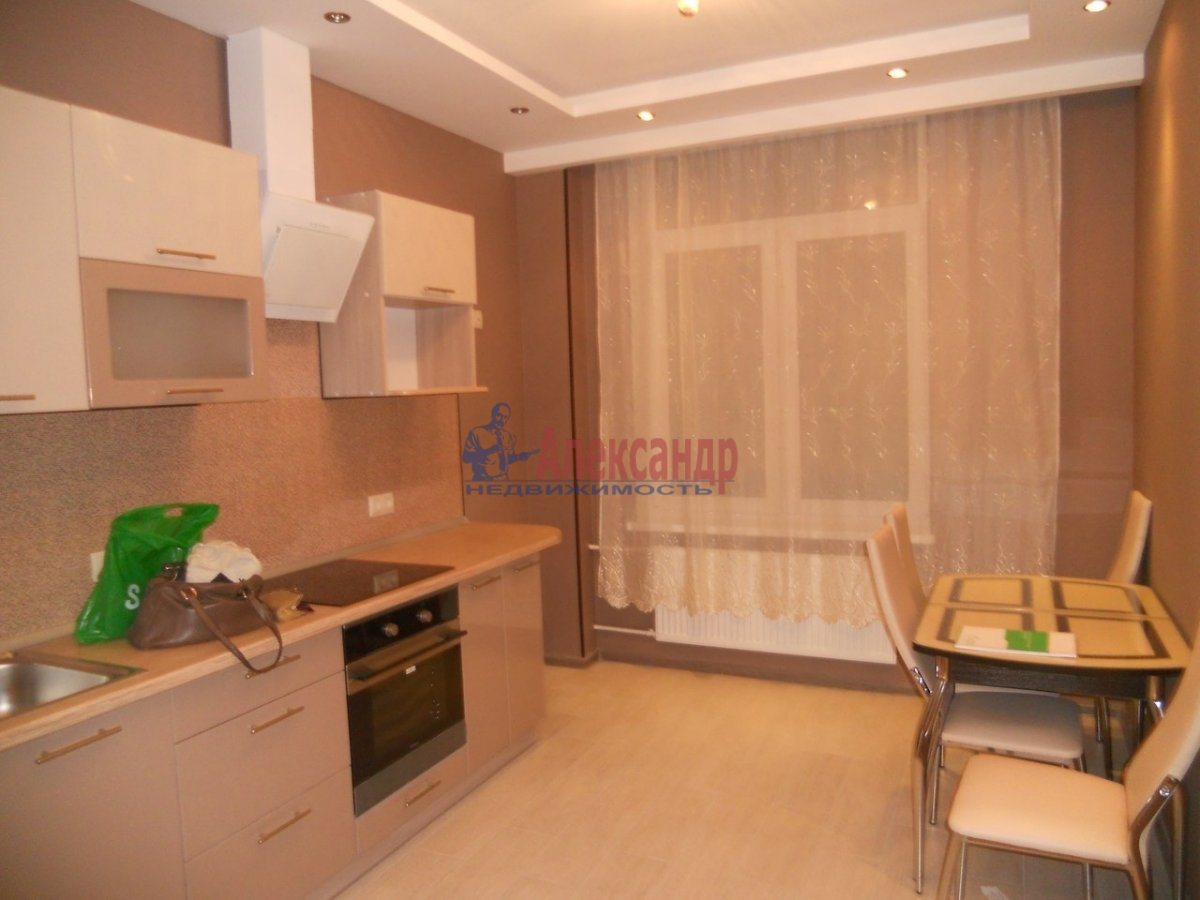 1-комнатная квартира (44м2) в аренду по адресу Галерный прд., 5— фото 1 из 7