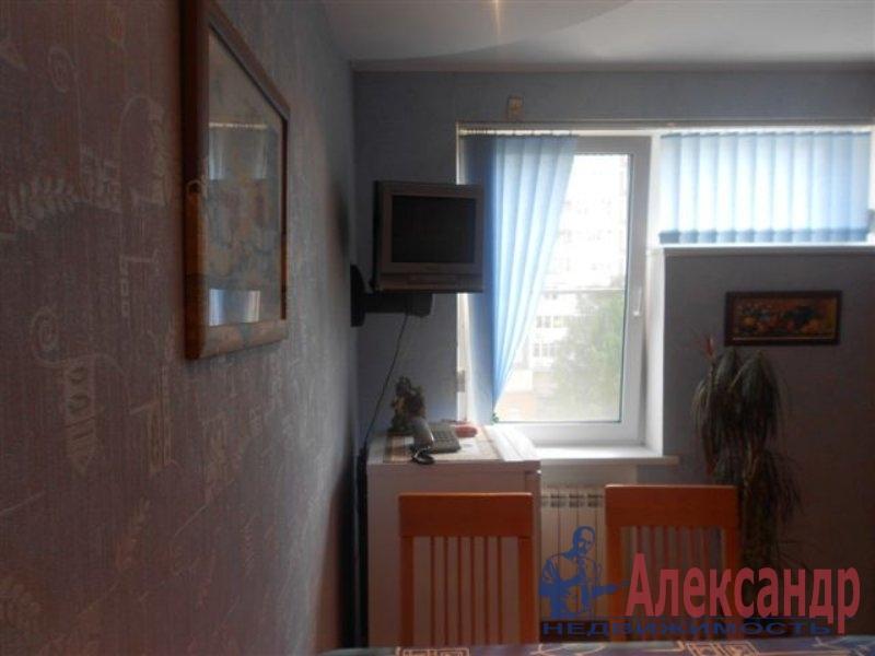 1-комнатная квартира (35м2) в аренду по адресу Большевиков пр., 49— фото 2 из 2