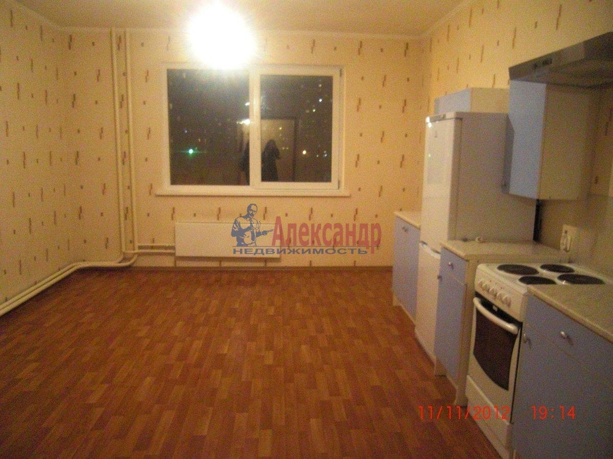 2-комнатная квартира (69м2) в аренду по адресу Стародеревенская ул., 19— фото 1 из 6