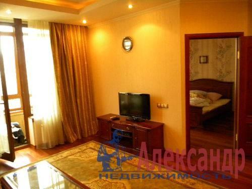 2-комнатная квартира (74м2) в аренду по адресу Декабристов ул., 16— фото 10 из 10