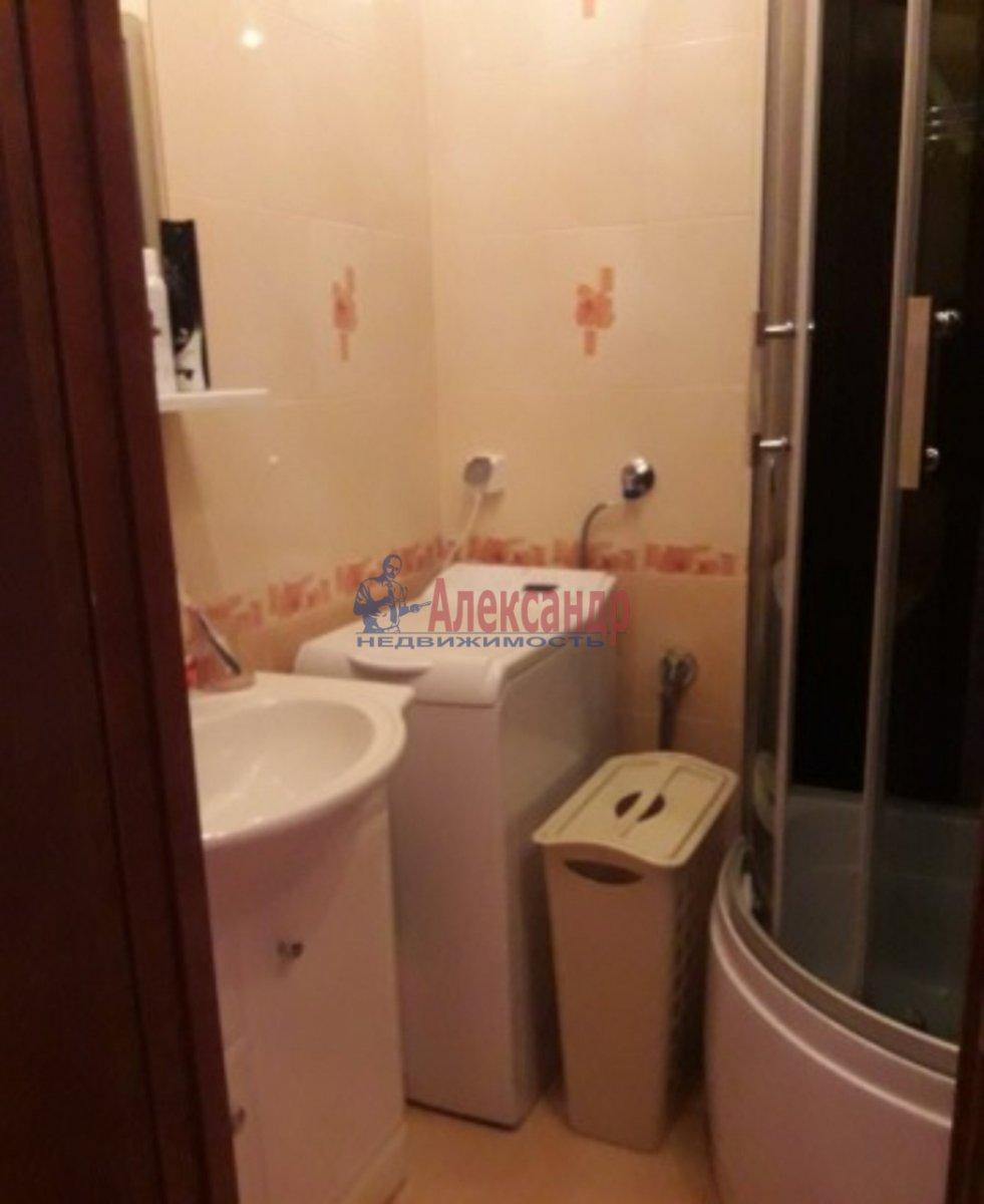 1-комнатная квартира (42м2) в аренду по адресу Дрезденская ул., 21— фото 3 из 3