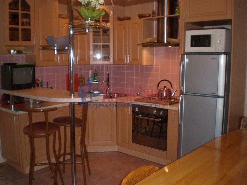 2-комнатная квартира (60м2) в аренду по адресу Чайковского ул.— фото 1 из 5