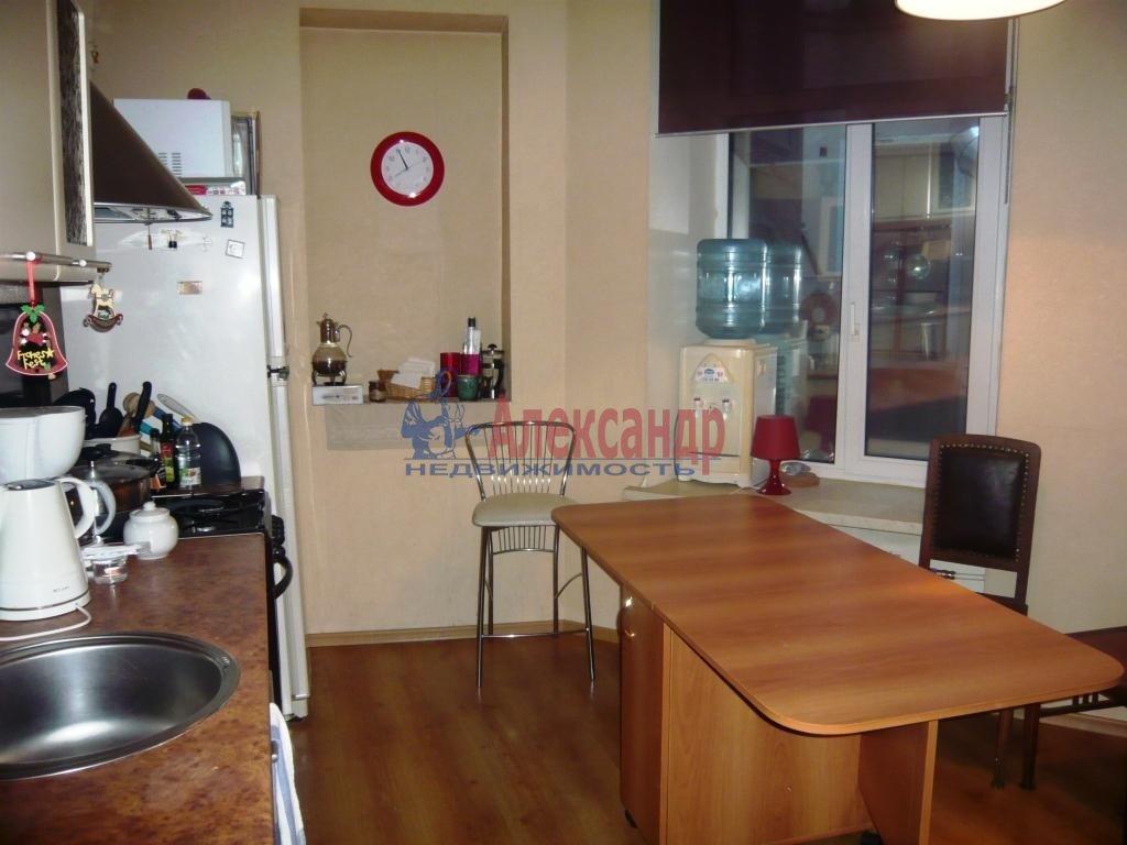 1-комнатная квартира (38м2) в аренду по адресу Мичуринская ул., 6— фото 1 из 10