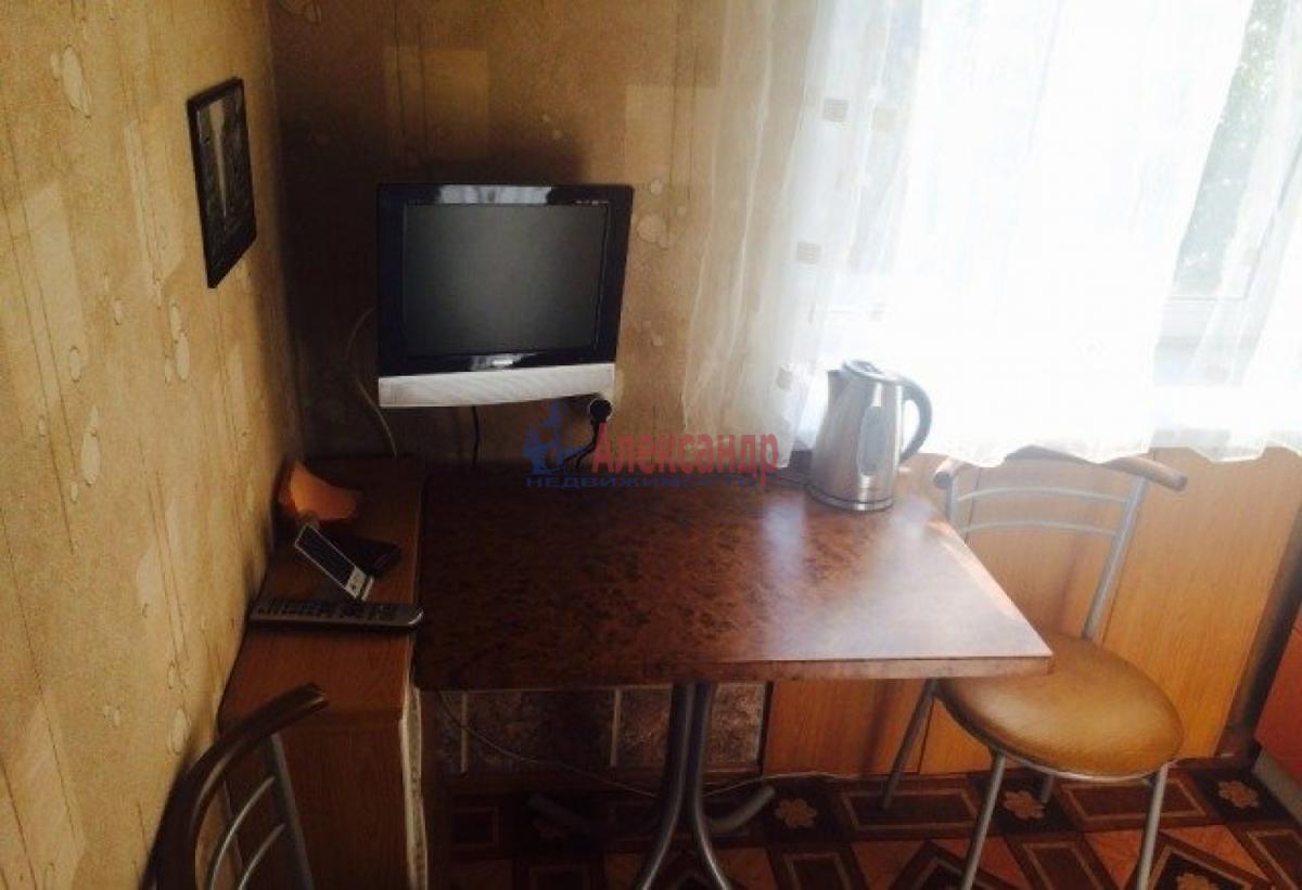 1-комнатная квартира (43м2) в аренду по адресу Малая Балканская ул., 43— фото 2 из 6