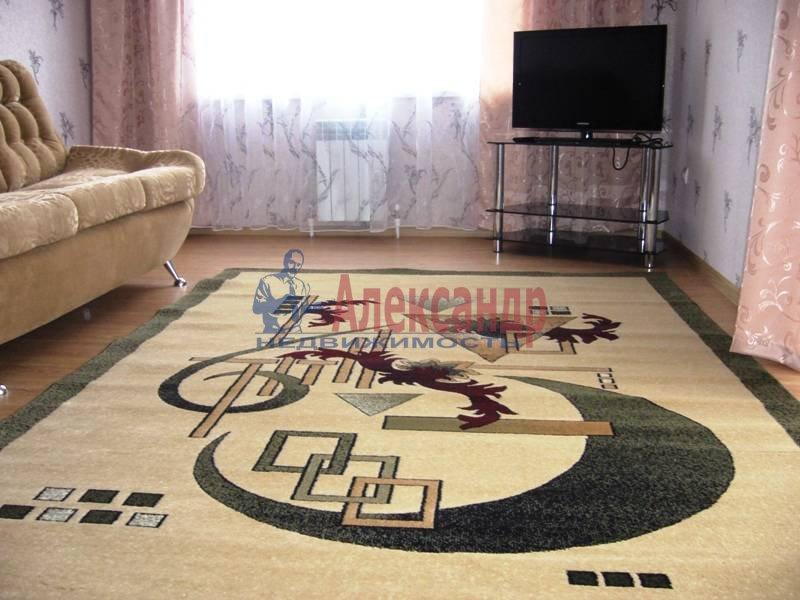 2-комнатная квартира (65м2) в аренду по адресу Ушинского ул., 2— фото 2 из 4