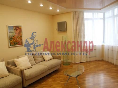3-комнатная квартира (110м2) в аренду по адресу Комендантская пл., 6— фото 11 из 12