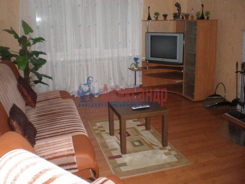 2-комнатная квартира (60м2) в аренду по адресу Чайковского ул.— фото 2 из 5