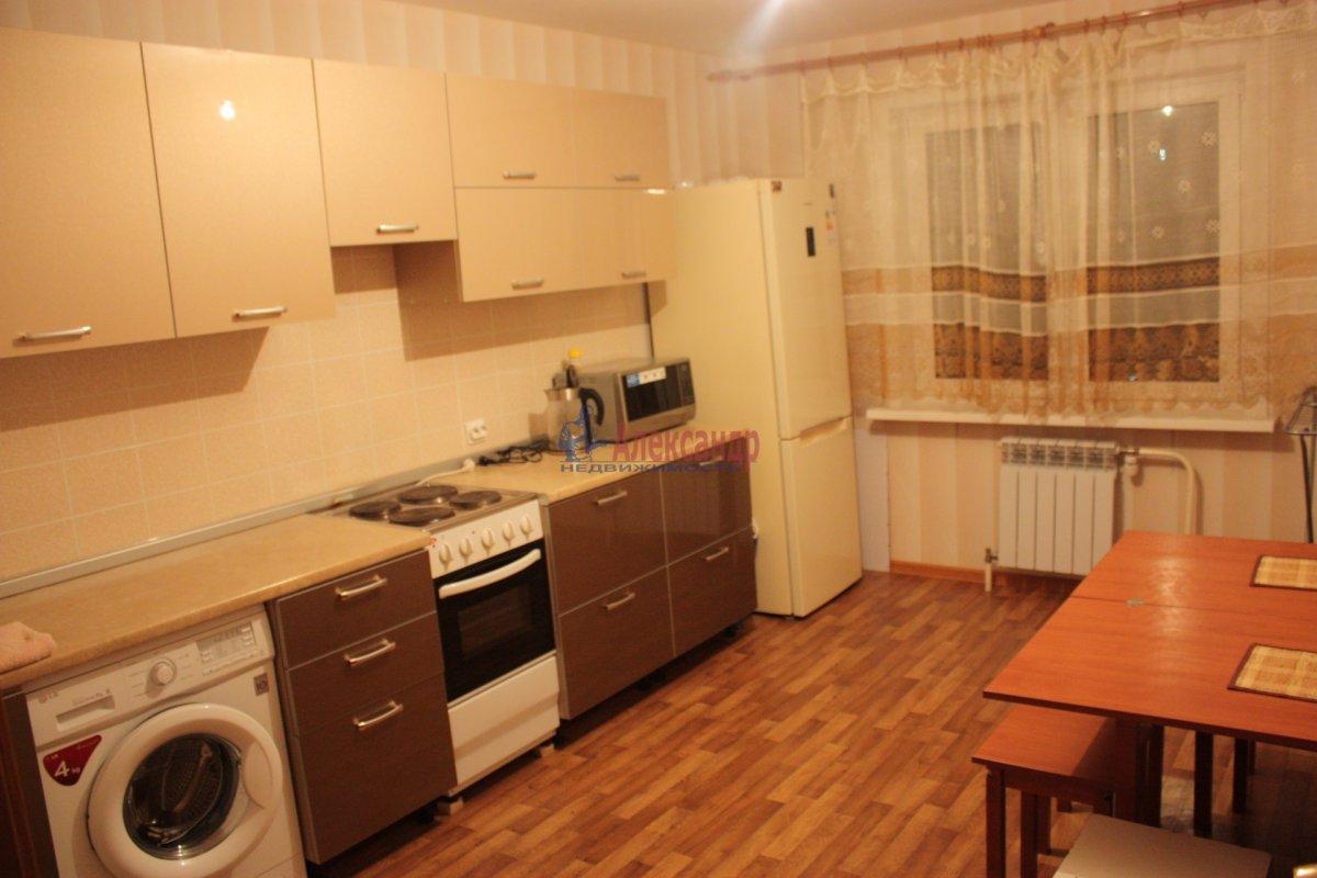2-комнатная квартира (58м2) в аренду по адресу Богатырский пр., 49— фото 1 из 23