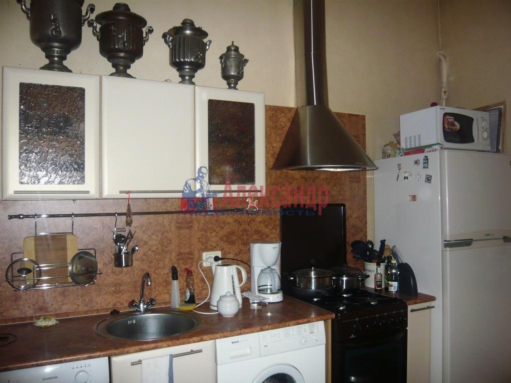 1-комнатная квартира (38м2) в аренду по адресу Мичуринская ул., 6— фото 2 из 10