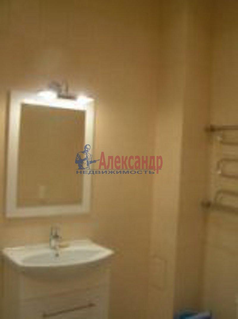 3-комнатная квартира (98м2) в аренду по адресу Композиторов ул., 12— фото 2 из 7