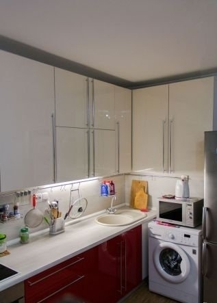 1-комнатная квартира (41м2) в аренду по адресу Латышских Стрелков ул., 15— фото 2 из 7