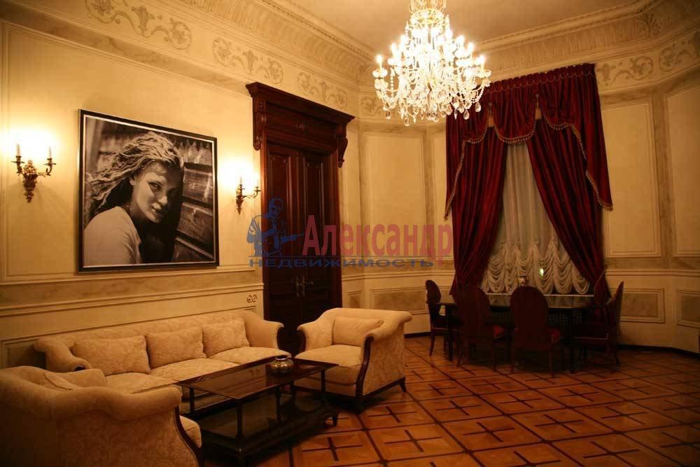 5-комнатная квартира (220м2) в аренду по адресу Каменноостровский пр., 1/3— фото 4 из 8
