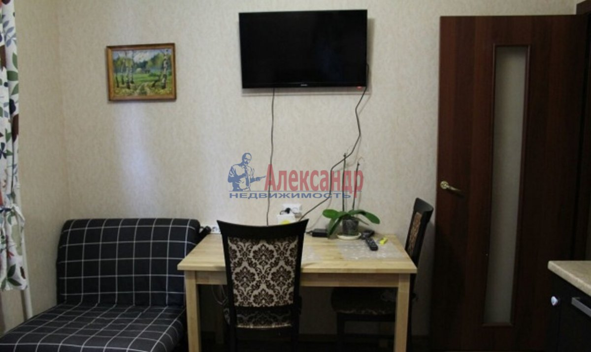 1-комнатная квартира (38м2) в аренду по адресу Парголово пос., Заречная ул., 25— фото 3 из 6