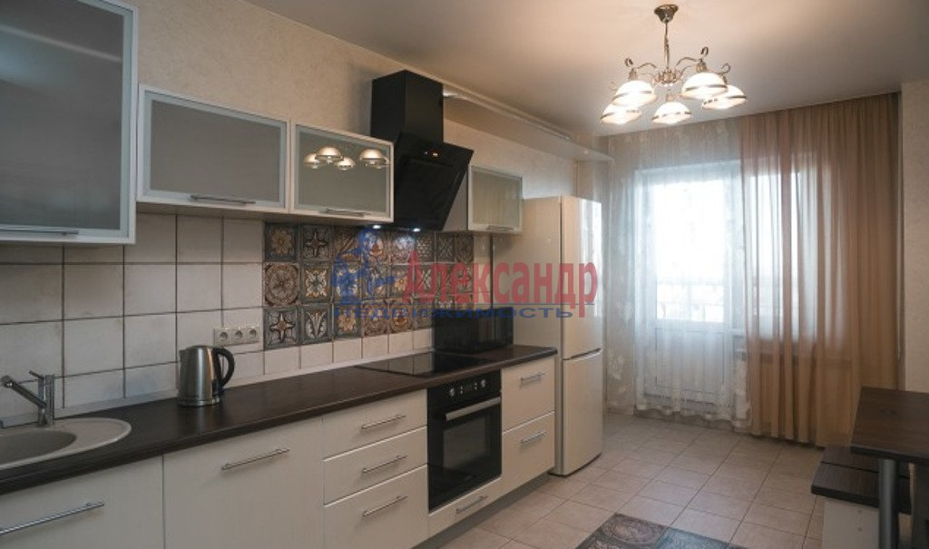 2-комнатная квартира (54м2) в аренду по адресу Земледельческая ул., 5— фото 2 из 4