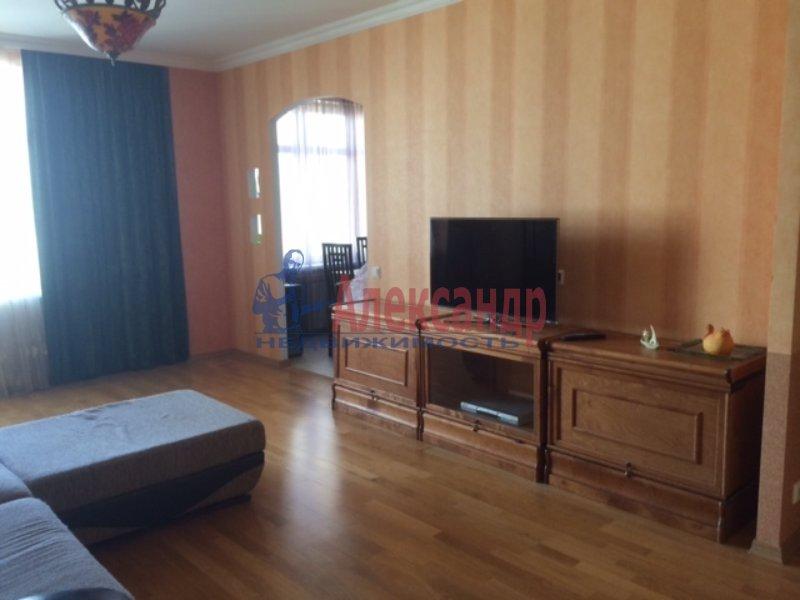 3-комнатная квартира (79м2) в аренду по адресу Боткинская ул., 15— фото 1 из 10