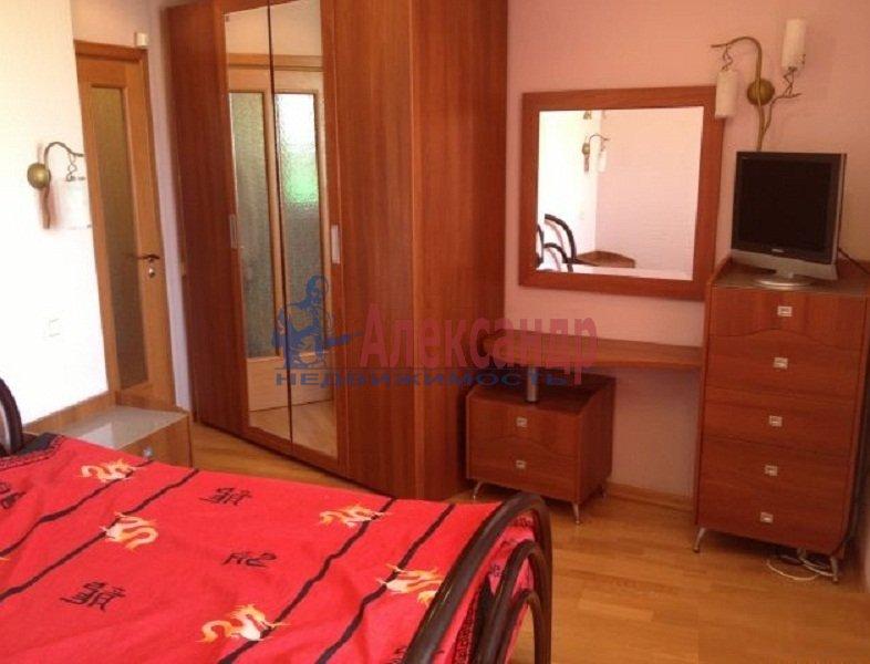 2-комнатная квартира (45м2) в аренду по адресу Художников пр., 33— фото 3 из 6